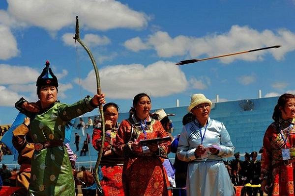 Naadam In Der Inneren Mongolei in Das Naadam-Fest der Mongolen